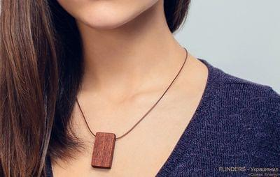 Pendant <Queen Energy> Eco Decoration | Red Wood