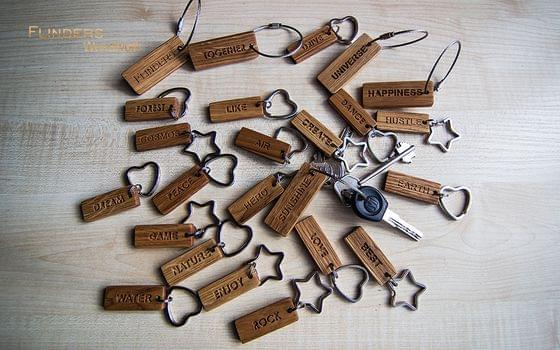 Wooden key ring for keys <DREAM> Engraving | Natural Pouch