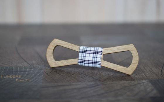 Wooden Bow Tie <ASTON LIGHT> Stylish Accessory