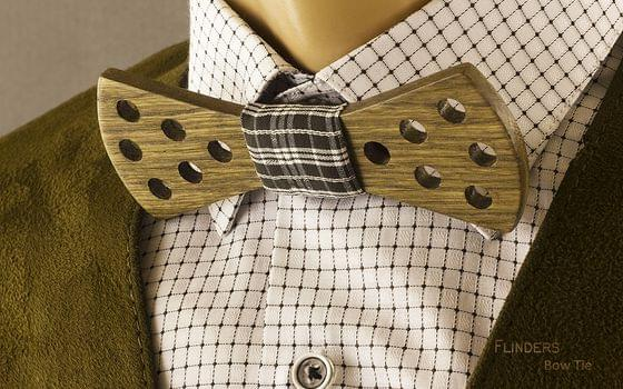 Wooden Bow Tie <ILLUMINANT> Brown Oak Accessories