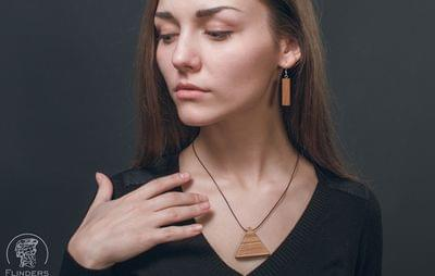 Jewelery for Girls <Trinity Energy> Pendant from the Precious Tree | Eco Triangle